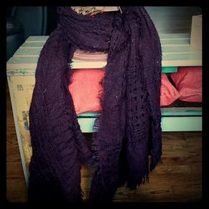 Accessories - HUGE burgandy scarf
